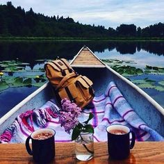 Oh my  hot coco on a boat! This is my fav ❤️ For those of you with partners who say they are running out of ideas for date days or nights, maybe direct them to my Instagram ☺️ I have so many more date ideas to share! Can't wait!  #datenight  #datenightideas #worlddatenightideas #couples #love #goals #massage #relax #hotels #travel #simple #wcw #evening #london #likeforlike #newyork #life #inspiration #beautiful #school #night #workhard #paris #work #smile #followme #follow