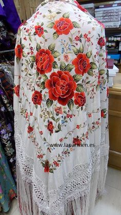 Are you looking for hair care tips? Silk Shawl, Pashmina Shawl, Wedding Cardigan, Satin Stitch, Scarf Hairstyles, Modest Dresses, Traditional Dresses, Love Fashion, Crochet Lace