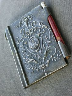 French antique collection a silver Note book Vintage Notebook, Small Case, Take My Money, Prayer Book, Pen And Paper, I Love Books, Sacred Heart, Little Books, Religious Art