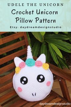51 Ideas crochet unicorn cushion pattern for 2019 Crochet Baby Beanie, Crochet Mittens, Crochet Gloves, Baby Blanket Crochet, Unicorn Cushion, Unicorn Pillow, Crochet Pillow Pattern, Crochet Cushions, Pillow Patterns