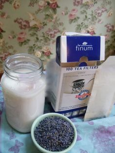 """Second fermenting kefir increases the flavor, mellows out some of the sharper notes sometimes perceived as """"sourness""""; and best of all increases the vitamins, nutrients, and enzymes to make them more absorbable by the body. Which means that your body can Goat Milk Recipes, Raw Food Recipes, Kifer Recipes, Kefir Yogurt, Kefir Milk, Probiotic Drinks, Kefir Probiotic, Fresco, Kefir Benefits"""
