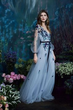 Marchesa Notte Pre-Fall 2019 collection, runway looks, beauty, models, and revie. Marchesa Notte P Beautiful Gowns, Beautiful Outfits, Beautiful Life, Beautiful Models, Couture Fashion, Fashion Show, Fashion Fashion, Fashion Beauty, Fashion Ideas