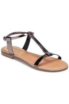 Sandaletler ve Açık ayakkabılar Levis COTATI https://modasto.com/levis/kadin-ayakkabi-sandalet/br3388ct19