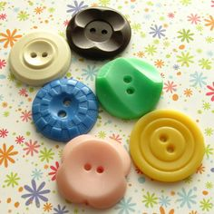 Vintage Buttons. i've always wanted to collect these and put them in a pretty jar.