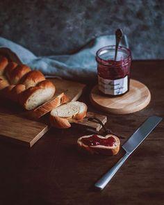 vegan butter braided bread / veganer Butterzopf  #vegan #plantbased #healthy #easyrecipe #quickrecipe #pflanzlich #gesund #schnellerezepte #einfacherezepte #lowwaste #zerowaste #velvetandvinegar Quick Recipes, Vegan Recipes, Cooking Recipes, Butter Braids, Braided Bread, Latest Recipe, Vegan Butter, Vinegar, Easy Meals