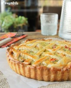 Vegetable tart (in Spanish with translator) Quiches, Omelettes, Kitchen Recipes, Cooking Recipes, Argentina Food, Vegetable Tart, Cake Chocolat, Good Food, Yummy Food