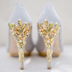 23 Stunning Wedding Shoes to Complete Your Fairy Tale Princess Look! - Praise Wedding - 23 Stunning Wedding Shoes to Complete Your Fairy Tale Princess Look! Fancy Shoes, Pretty Shoes, Beautiful Shoes, Cute Shoes, Me Too Shoes, Beautiful Dream, Formal Shoes, Casual Shoes, Prom Heels