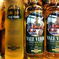 Embalagem especial para presente da Vale Verde 3 anos no carvalho. #valeverde #cachaça