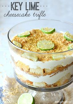 Key Lime Cheesecake Trifle - Minus the whipped topping. an easy and pretty dessert made with layers of graham cracker crust, cubed pound cake, and a key lime cheesecake filling. Cheesecake Trifle, Key Lime Cheesecake, Trifle Desserts, Easy Cheesecake Recipes, Easy Desserts, Delicious Desserts, Yummy Food, Dessert Trifles, Ty Food