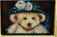 Free pattern for this cute bear, named Pearl, is available from Annette Stevenson at this link.