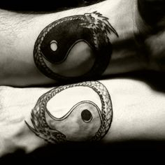 probably my favorite couples tattoo. wanna get this with my bf <3