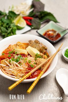 Rice Noodle Soups, Noodle Recipes, Pork Recipes, Seafood Recipes, Asian Recipes, Cooking Recipes, Ethnic Recipes, Vietnamese Food, Vietnamese Recipes