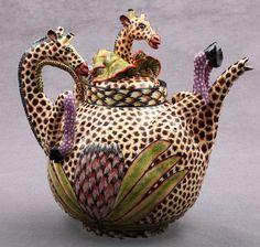 .Thirsty Giraffe teapot.       t