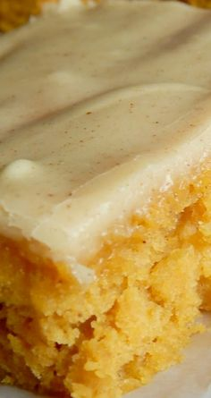 Iowa Pumpkin Sheet Cake ~ A bit different from your typical pumpkin bar, these have a unique secret ingredient and a frosting that is mouthwatering! Cake for you Pumpkin Cake Recipes, Sheet Cake Recipes, Pumpkin Bars, Pumpkin Dessert, Large Sheet Cake Recipe, Sheet Cake Pan, Pumpkin Spice, Köstliche Desserts, Dessert Recipes