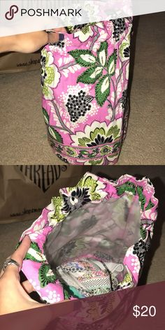 Vera Bradley laundry bag Great condition. I use it at the beach for my bathing suits Vera Bradley Bags