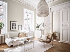 Turn of the century home in beige - COCO LAPINE DESIGNCOCO LAPINE DESIGN