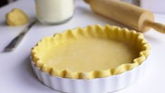 Ako na dokonalé krehké cesto? Food Processor Pie Crust, Food Processor Recipes, Lard Pie Crust, Pie Crusts, Sweet Recipes, Real Food Recipes, Chicken Pasta Dishes, Crockpot Mac And Cheese, Pie Crust Recipes
