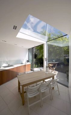 Skønt ovenlys: Contemporary house by McAneary -08