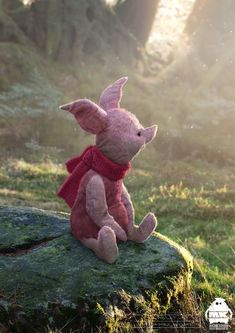 Piglet of Winnie the Pooh, designed by Michael Kutsche for the Christopher Robin movie Winne The Pooh, Winnie The Pooh Quotes, Disney Winnie The Pooh, Piglet Winnie The Pooh, Christopher Robin Movie, Concept Art World, Pooh Bear, Eeyore, Cute Disney