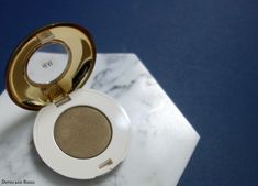 The hottest eye shadow for fall and winter: HM High Impact Eye Colour in Moss Green