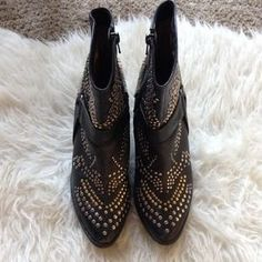 I just discovered this while shopping on Poshmark: Jeffrey Campbell Boots. Check it out!  Size: 8