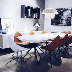 A very beautiful shot of Ottawa table and chairs Dining Room Furniture, Home Furniture, Furniture Design, Dining Rooms, Boconcept, Table And Chairs, Dining Table, Comfortable Dining Chairs, Best Interior Design