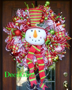 SNOWMAN with Striped HAT and SCARF Christmas Wreath by decoglitz
