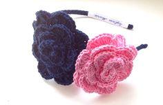 Diadema dos flores crochet. Sylvia Marie handmade