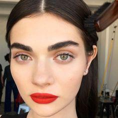 Resultado de imagen para big eyes makeup bold lips