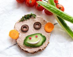Madpakke opskrift. Lav en mad med leverpostej til børnehavemadpakken, som dit barn aldrig har set den før. Madpakken bliver garanteret spist op!