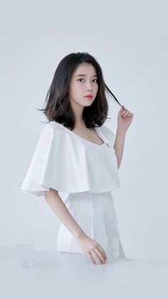 IU fashion magazine photoshoots Organic meat struggle to check out parlors currently, although i Iu Short Hair, Korean Short Hair, Taeyeon Short Hair, Korean Haircut, Iu Fashion, Korean Fashion, Fashion Outfits, Medium Hair Styles, Short Hair Styles