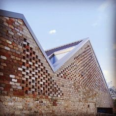 """Five Courts House 2010, Matthew Gribben Architecture, Sydney #FiveCourtsHouse #ThinkBrick"""