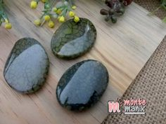 http://www.montemanik.com/product/manik-batu-manau-oval-hijau-bmo-012/ Manik Batu Manau Oval Ukuran 3 x 4 cm Warna hijau Harga / buah  batu agate, batu cutting, batu manau, manik batu, manik-manik, montemanik -  - #BatuAgate, #BatuCutting, #BatuManau, #ManikBatu, #ManikManik, #Montemanik -