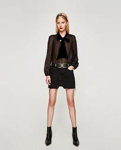 b1f03abc Bilde 1 fra TOPP MED SLØYFE I FLØYEL fra Zara Resort Casual Wear, Aw 2018