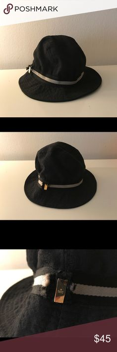 Gucci fedora Authentic Gucci Fedora its preloved and shows signs of usage inside has ripped lining outside has ripped on the gucci gold tab but overall good. look on pics but overall wearable and lots if life left to it. Gucci logo all over its says size large but fits smaller Gucci Accessories Hats