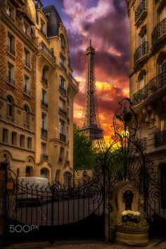 Colors of sunset on the Eiffel Tower in Paris by Frédéric MONIN on 500px