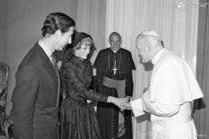Charles e Diana foram recebidos pelo Papa João Paulo II no Vaticano, em 29 de abril de 1985
