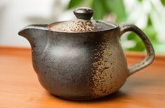 Banko Bizen Teapot; simple, rustic, Wabi Sabi.