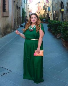 Plus Size Fashion - Danielle Vanier: Greener Pastures