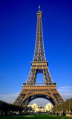 Eiffel Tower - Paris - France (by Giovanni)