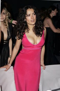 Salma Hayek hot images and Photos. Hollywood, one of the popular actress and director. Salma Hayek biography in short will discuss here. Many her fan follo Salma Hayek Images, Salma Hayek Pictures, Selma Hayek Hot, Massage Body Body, Beautiful Gorgeous, Gorgeous Women, Salma Hayek Body, Woman Movie, Jolie Photo