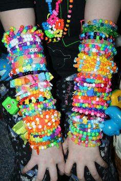 ☆Don't be afraid to shine, little star . Scene Kids, Emo Scene, Geometric Patterns, Kandi Bracelets, Beaded Bracelets, Ibuki Mioda, Et Tattoo, Cybergoth, My Vibe