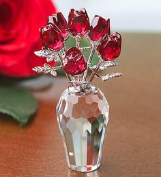 swarovski red roses in 2020 Swarovski Crystal Figurines, Swarovski Crystals, Crystal Gallery, Magical Jewelry, Décor Boho, Diy Décoration, Glass Figurines, Flower Aesthetic, Glass Flowers