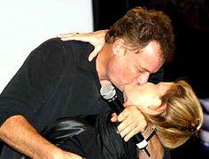 John De Lancie kissing Kate Mulgrew on a convention... hahahahaha #Q #captain janeway