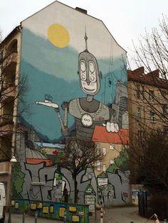 Adorable robot graffiti in Berlin!