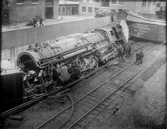 Boston and Maine RR freight train wreck at Somerville Mass. Diesel Locomotive, Steam Locomotive, Train Museum, Milwaukee Road, Abandoned Train, Railroad Photography, Old Trains, Train Pictures, Train Engines