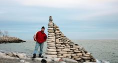 Canadian photographer Peter Riedel creates works of art by balancing stones. Stone Balancing, Balance Art, Create Words, Environmental Art, Pebble Art, Rock And Roll, Sculptures, Nature, Star