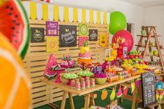 Tema: frutaria. Com direito a muitas cores e sabores na festa da ISABELA, elaborada pela LE BALLON FESTAS. Com DIANA CAROLINA; BEJ BALÕES e UNNA DECORA.