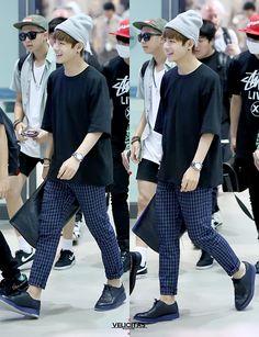 Airport fashion: BTS' V