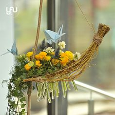 yau flori+yau evenimente+barcutele lui noah 2015+botez la studio 80 #yauconcept #yauevents #floralart #floral #flowers #floraldesign #florist #flowers #floralstructure #navy #navyflowers #ranunculus #origami #sprinflowers #yellow